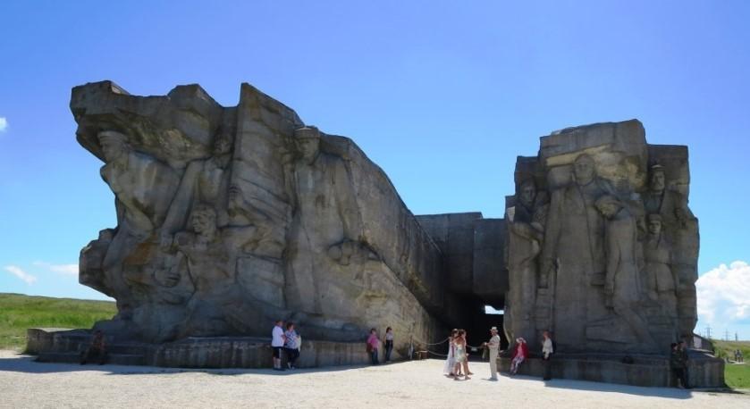 adzhimushkajskie-kamenolomni