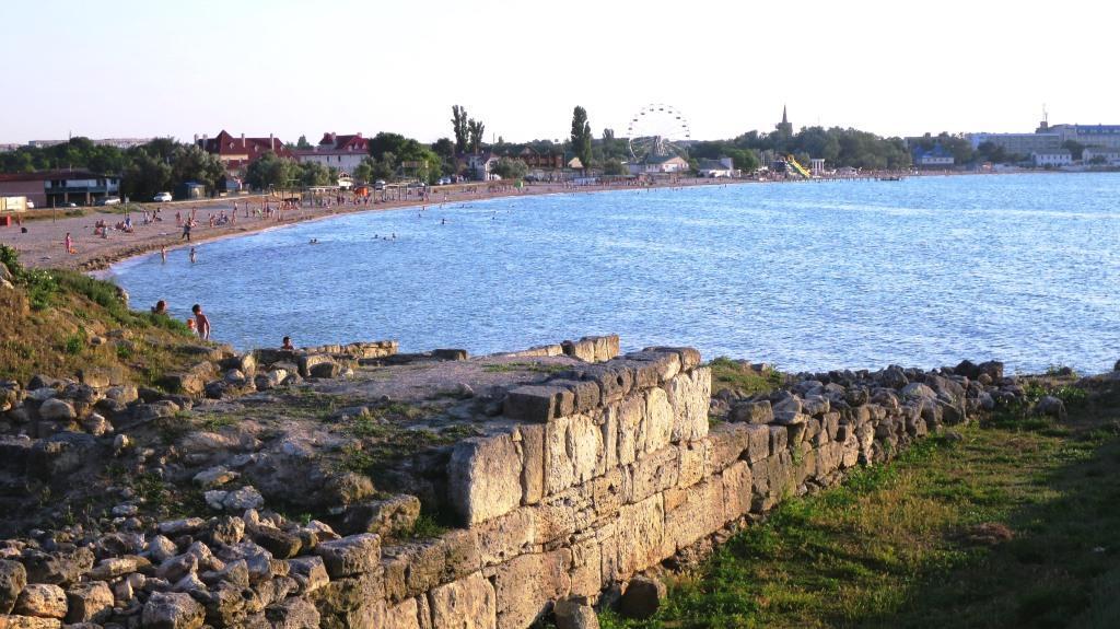 Черноморское, пляж