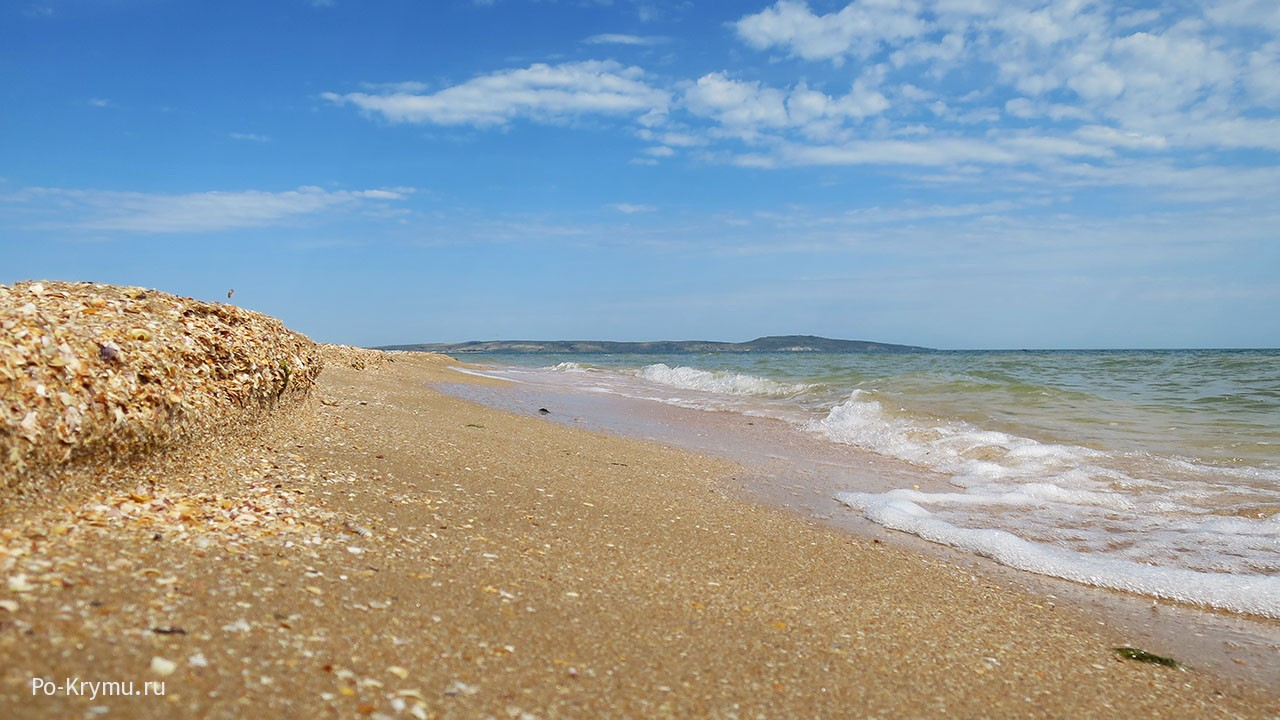песчано-ракушечный-пляж