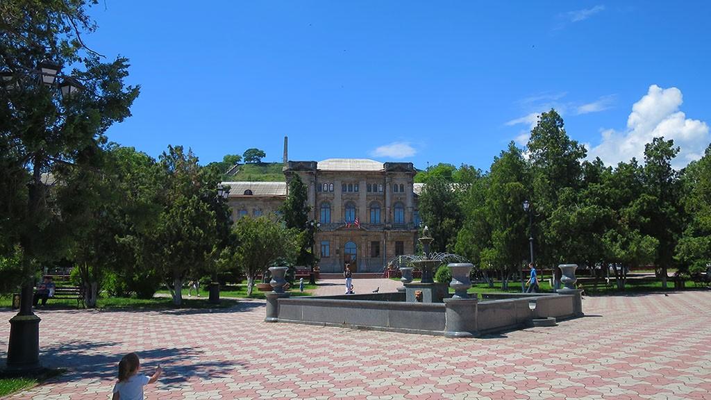 Экскурсии по достопримечательностям Керчи.