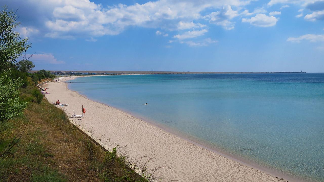 Пляж Оленевки на мысе Тарханкут