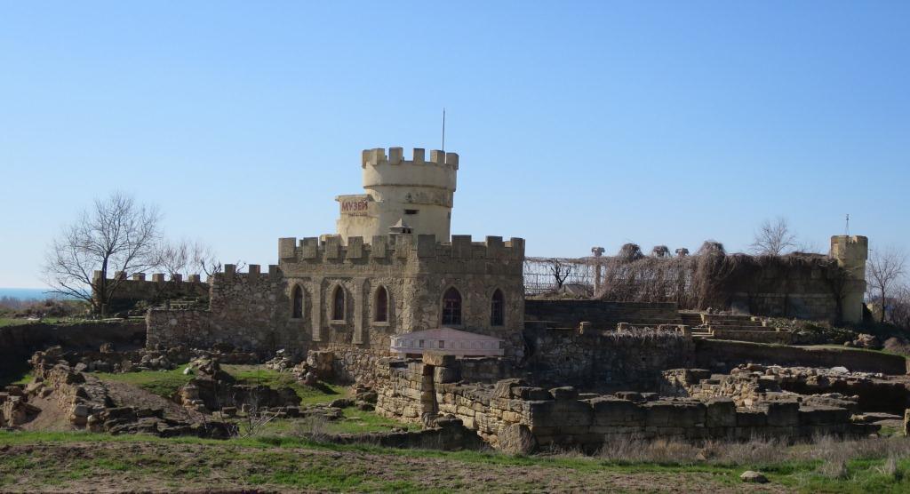 Крепость Кора-Тобе