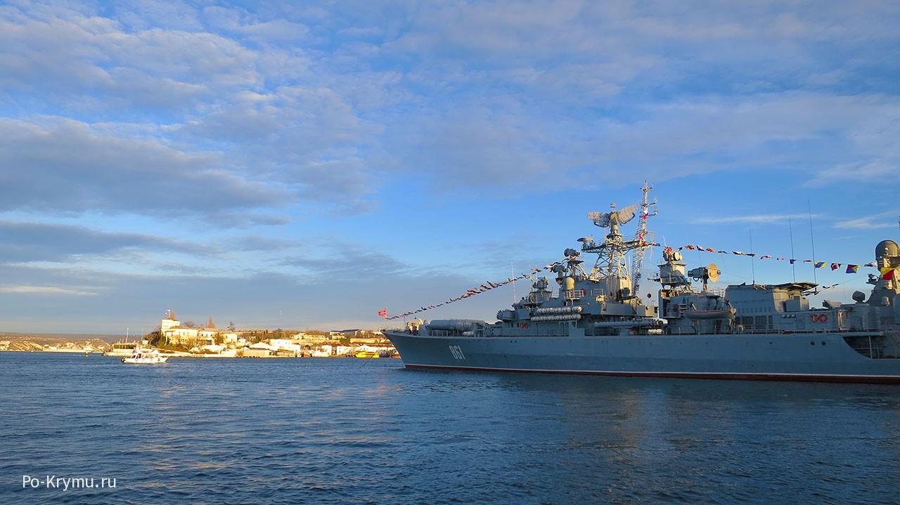 Боевые корабли в Севастопольской бухте