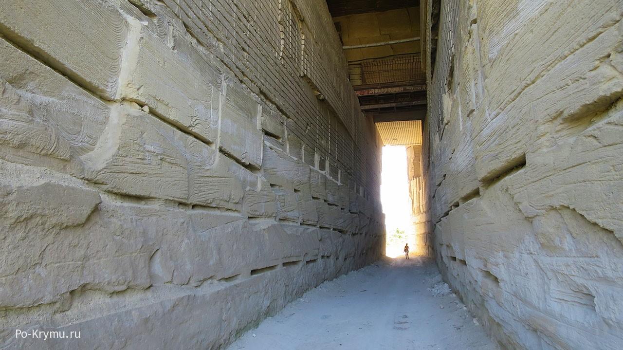 Туннель в затерянный мир.