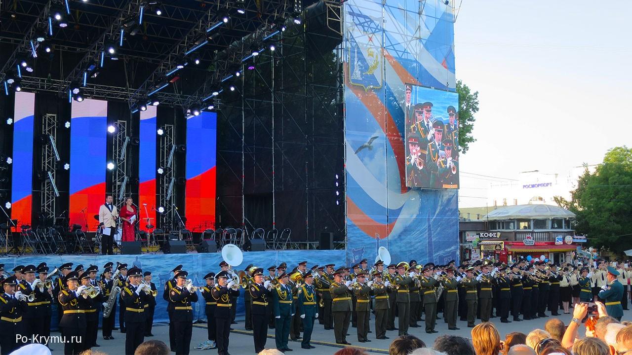 Выступление военных оркестров