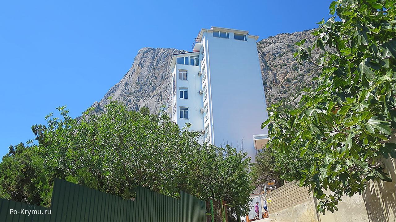 многоэтажки-выше-гор