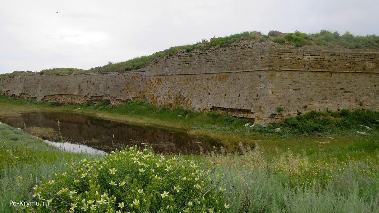 Арабатская крепость в Крыму.
