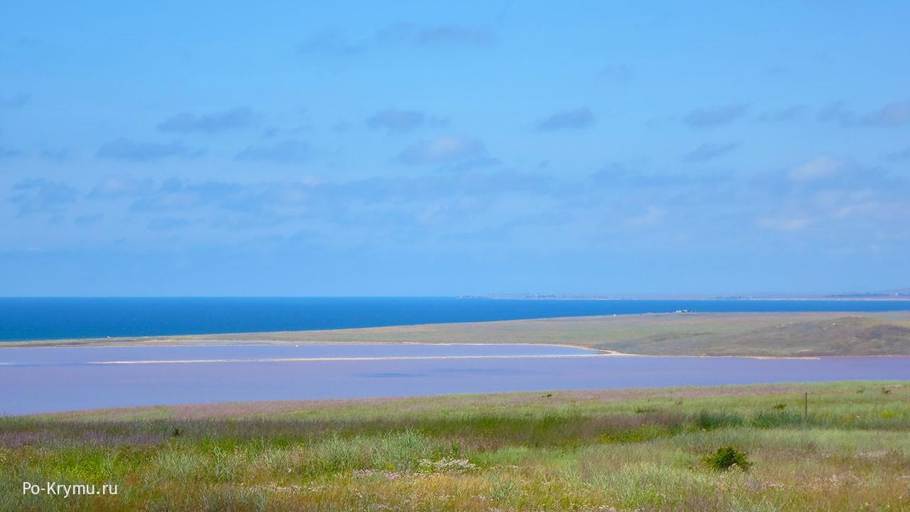 Кояшское озеро у Опукского заповедника.