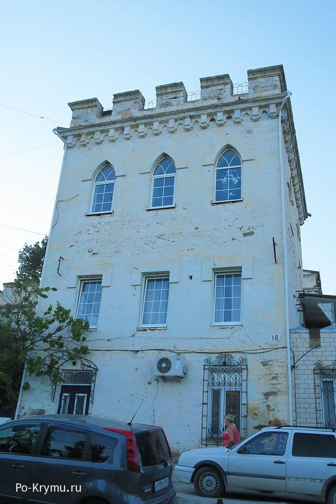 Мавританский замок в Крыму.