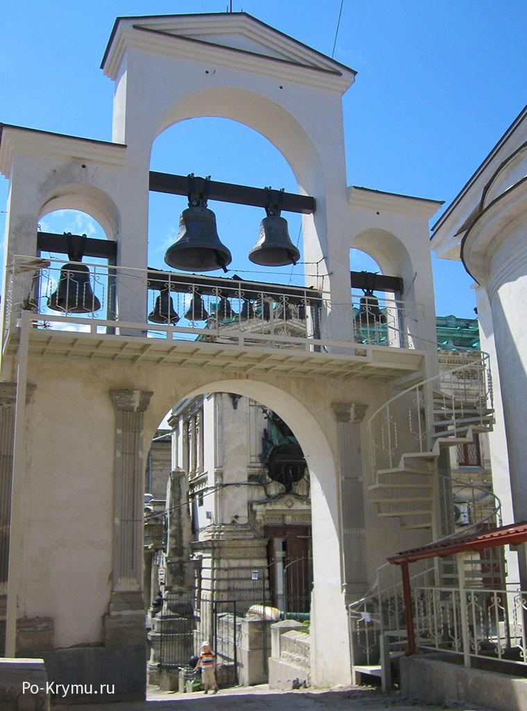 Колокольня Михайловского собора.