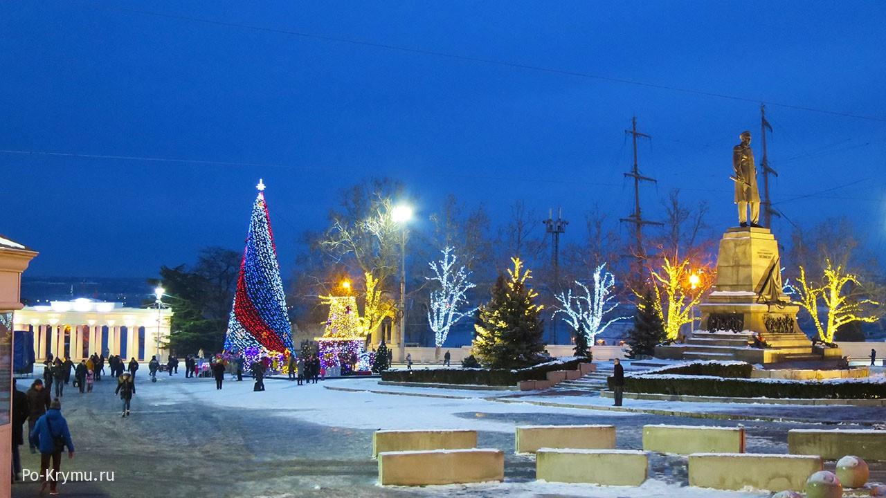 Площадь Нахимова.