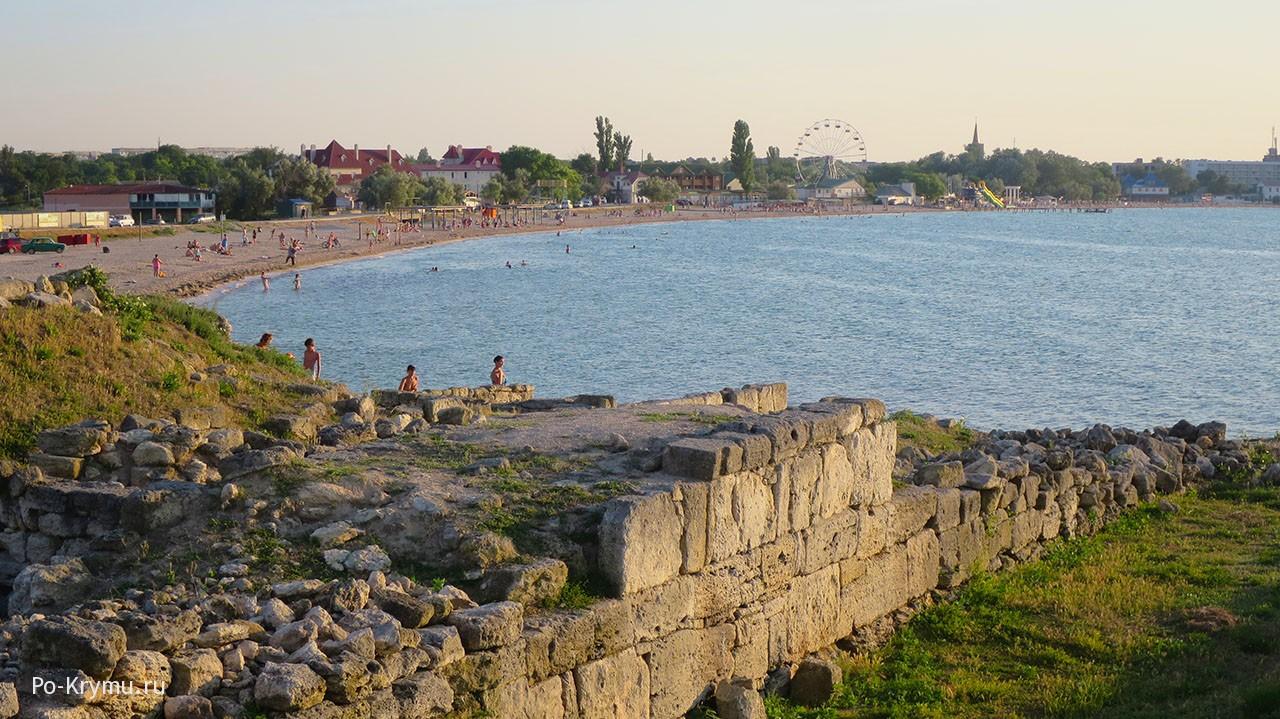 Побережье в районе Черноморского, Западный Крым.