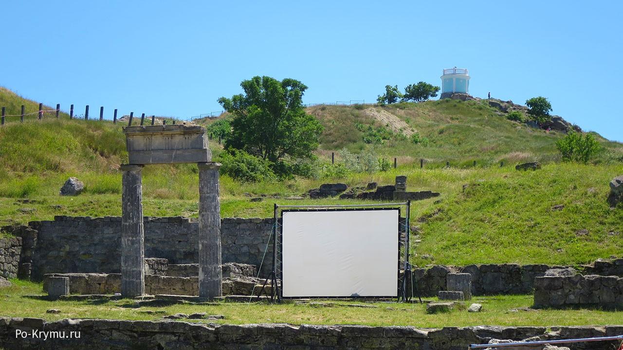 Храм Аполлона на холме Митридат.