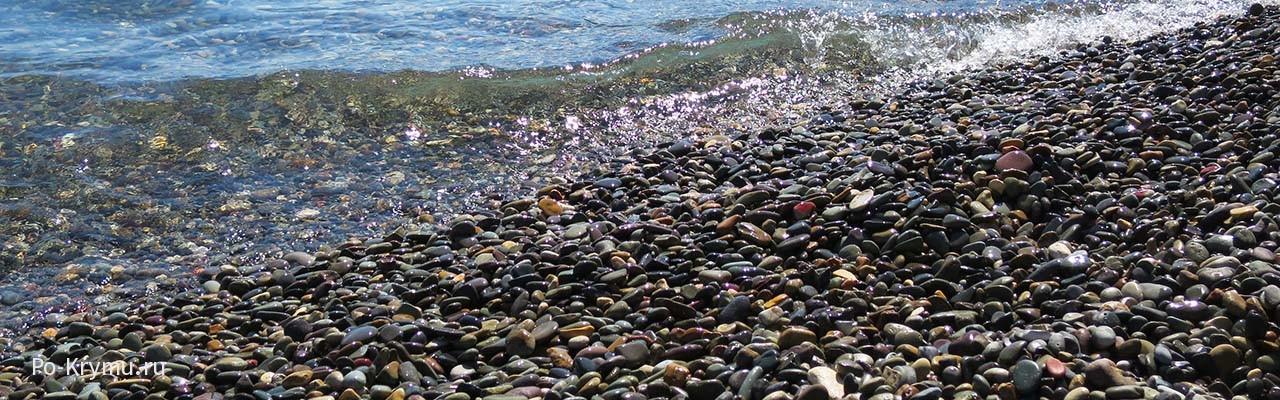 Лучшие пляжи рядом с Севастополем - на Фиоленте.
