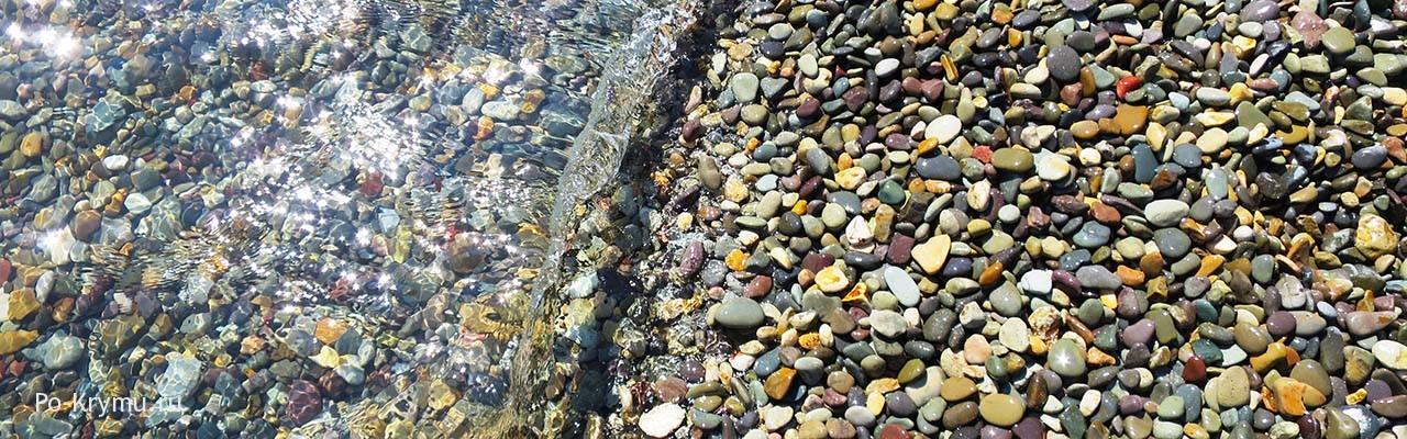 Фото берега по Свято-Георгиевским монастырем на Фиоленте.