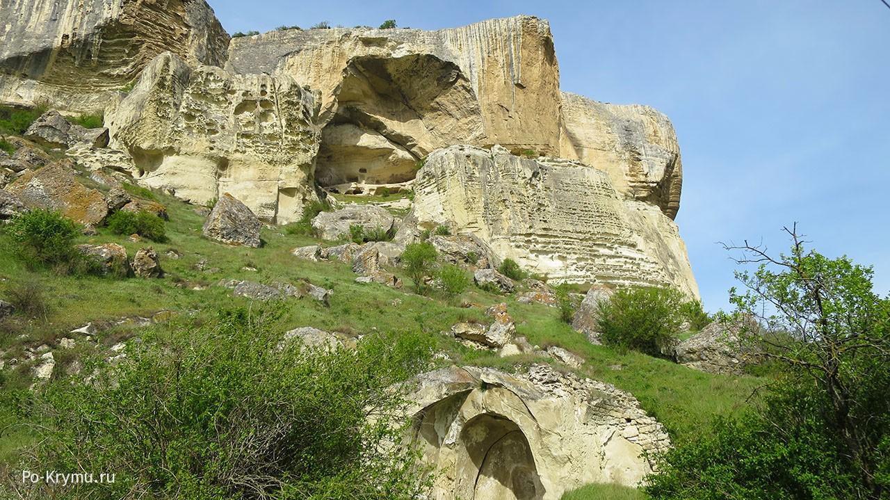 Качи-Кальон - руины пещерного монастыря.