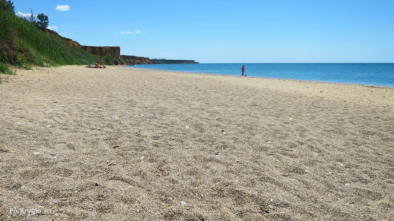 Отличные песчаные берега Западного Крыма.