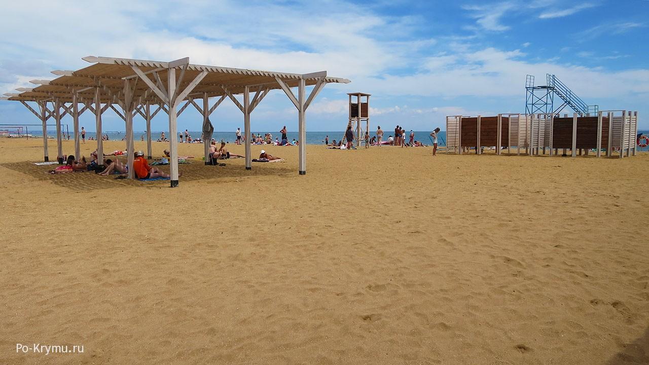 Керченская пляжная инфраструктура.