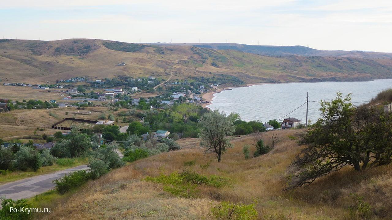 Вид сверху на поселок.