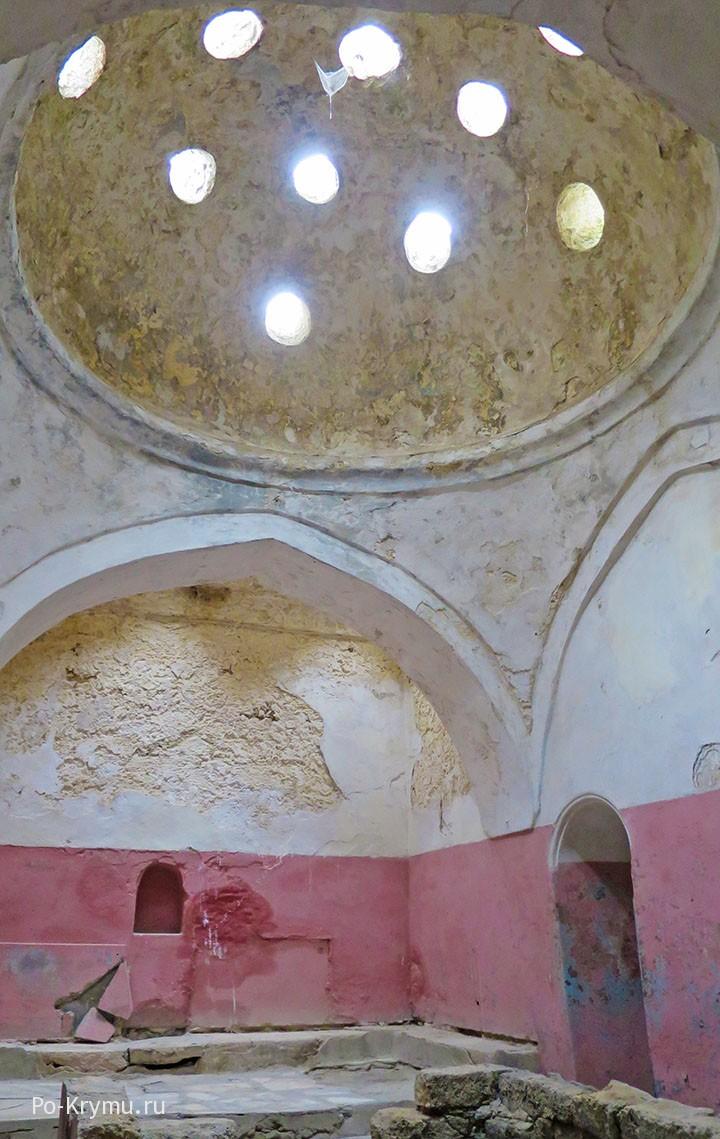 Средневековая турецкая баня в Евпатории, Старый город.