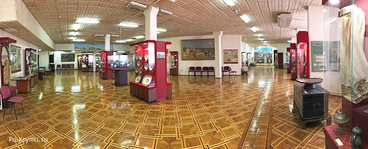 Панорама музейных залов.