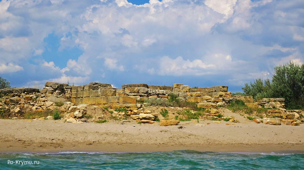 Крымские греки - руины античного городища Беляус.