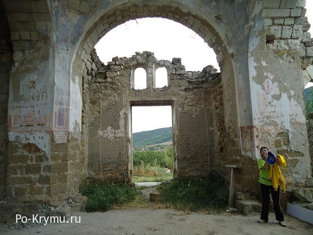 Как выглядела церковь св. Луки до реставрации.