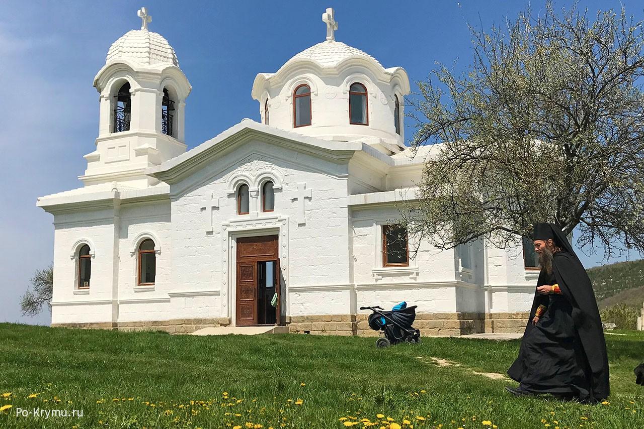 Храм Святого Луки в Бахчисарае, село Лаки в Крыму.