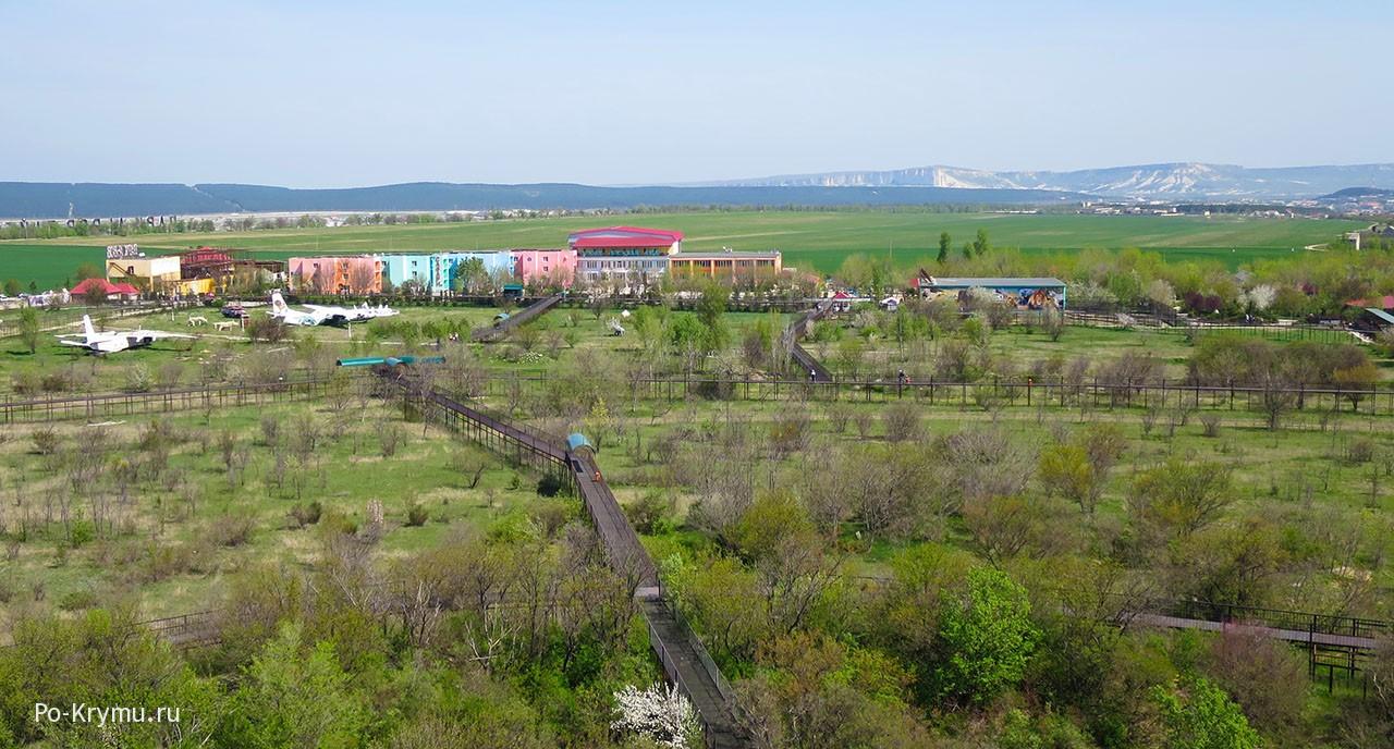 На фото Белая скала и Тайган с высоты.