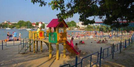Пляжи бухты Омега в Севастополе