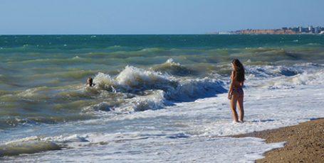 Пляж в Любимовке под Севастополем