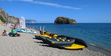Яшмовый пляж у Фиолента — любимое место севастопольцев