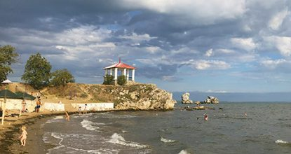 Пляж Молодежный в Керчи