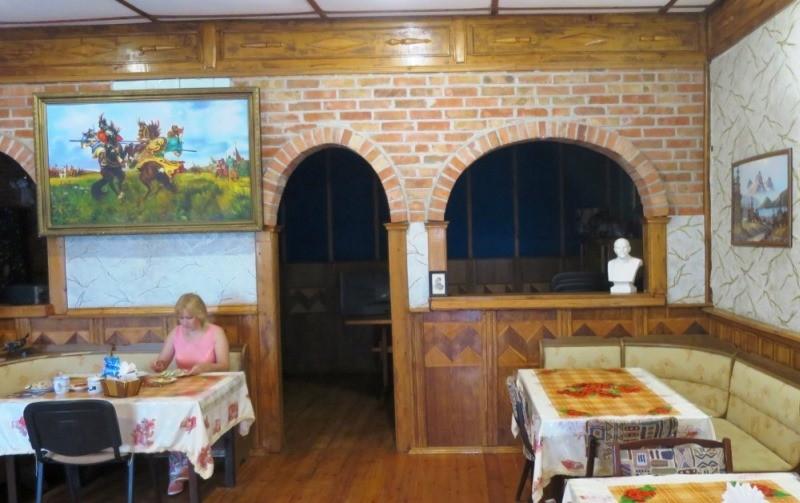 Недорогая столовая в гостевом доме Новоотрадного