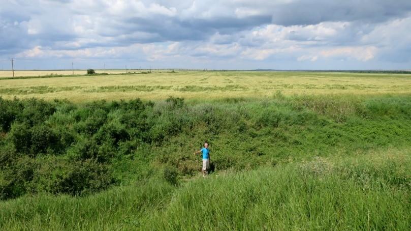 Керченский полуостров, глубокий древний ров