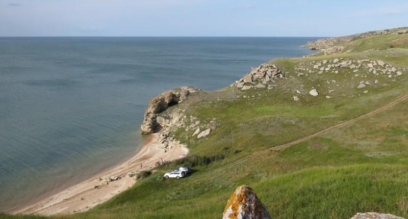 Фото бухточек Генеральских пляжей за поселком Золотое