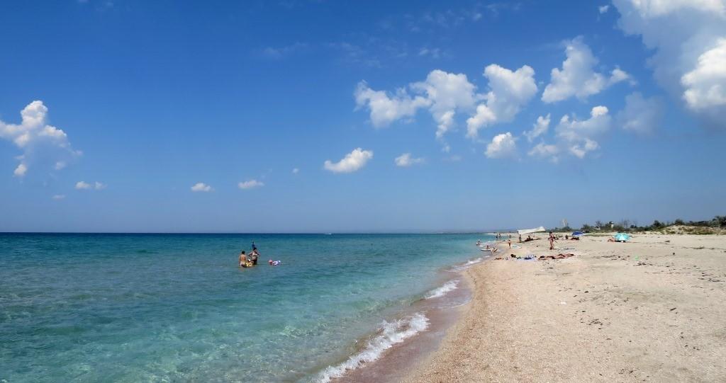 Пляж в Мирном.