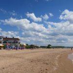 Пляж в Золотом на берегу Казантипского залива