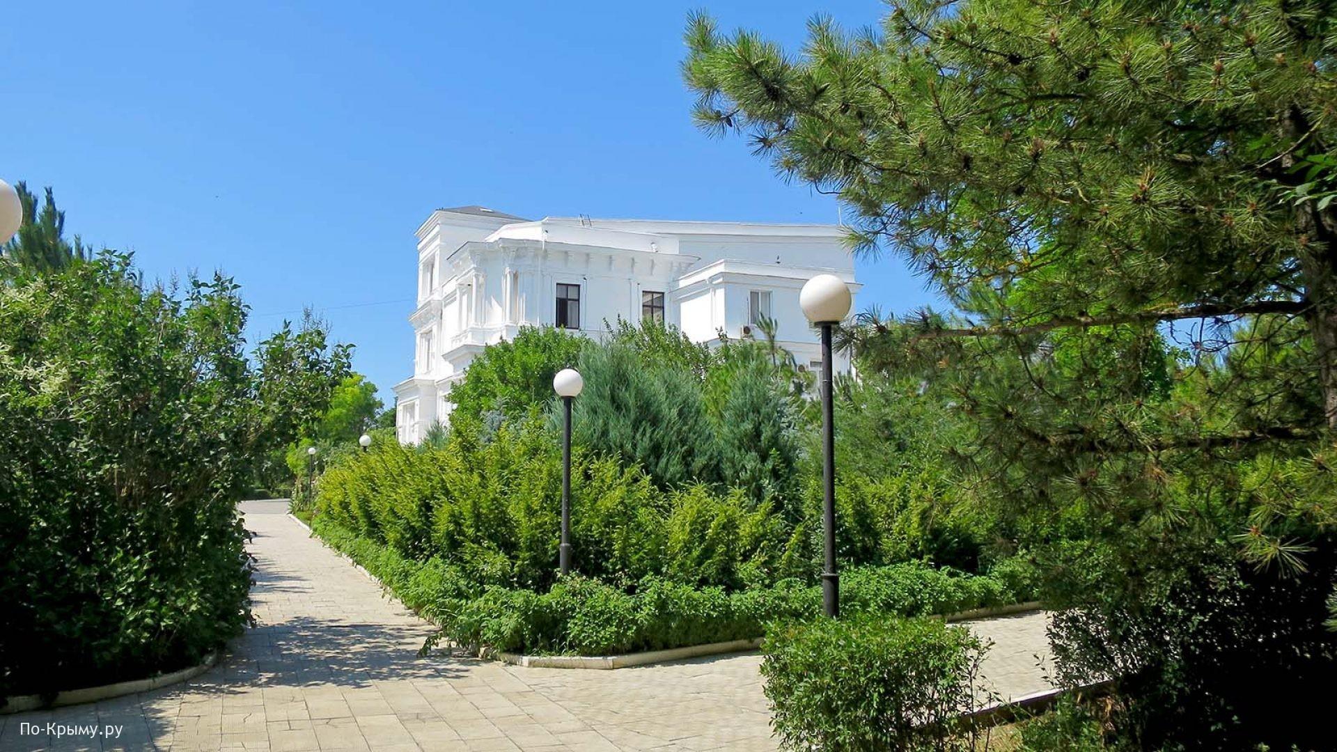 Загородный дом графа Попова