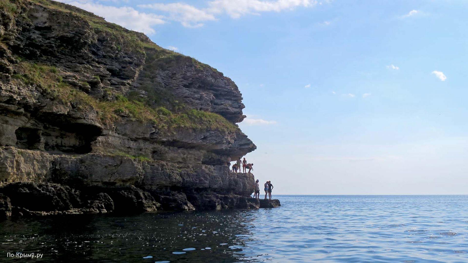 Обрывистый берег Малого Атлеша