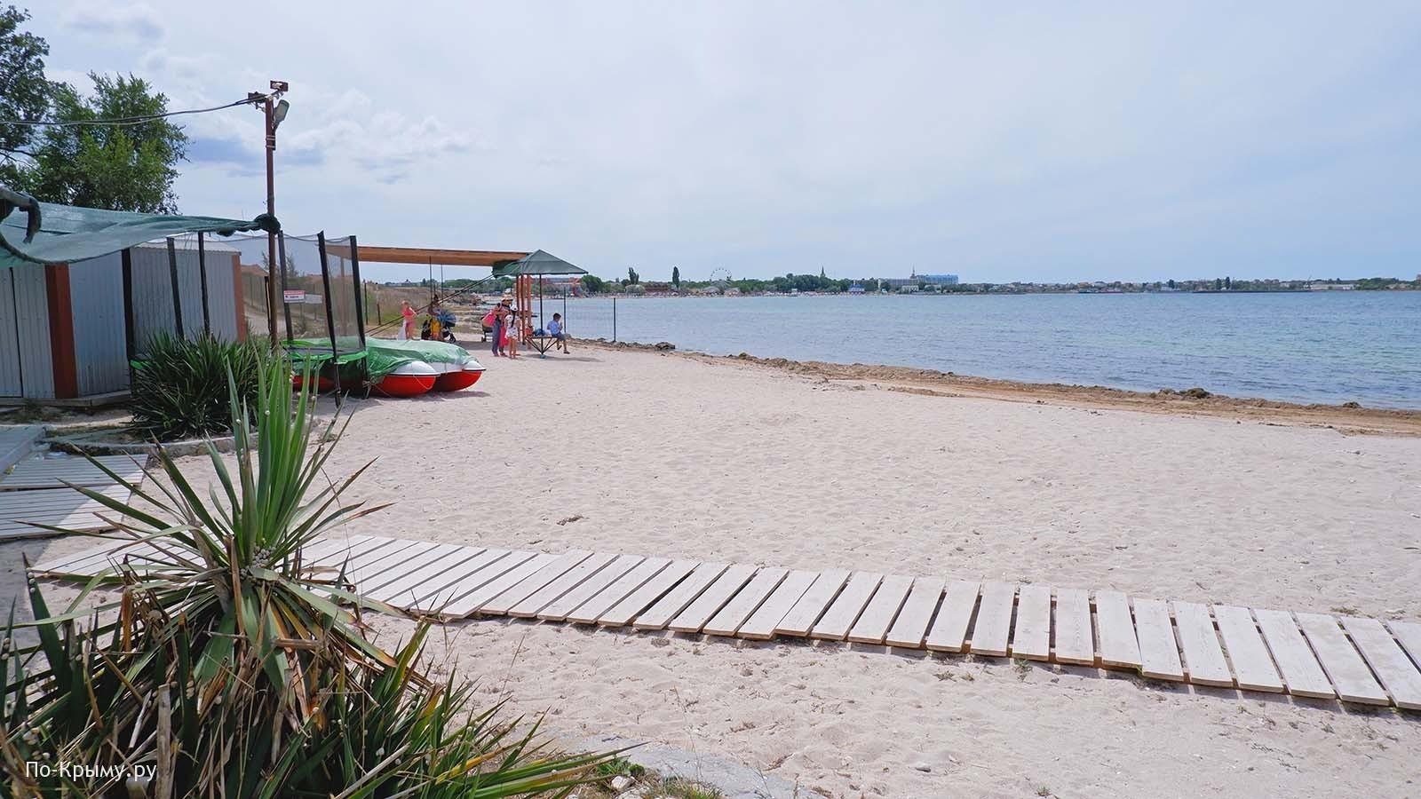 Гусиный пляж в пос. Черномрское