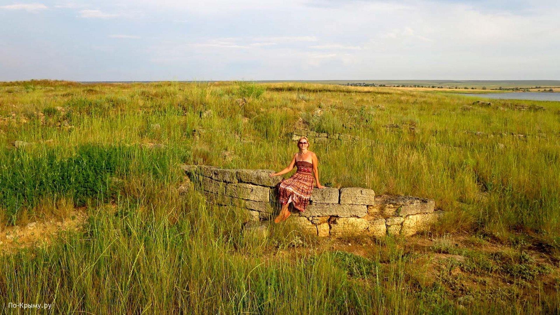 На руинах городища у Межводного
