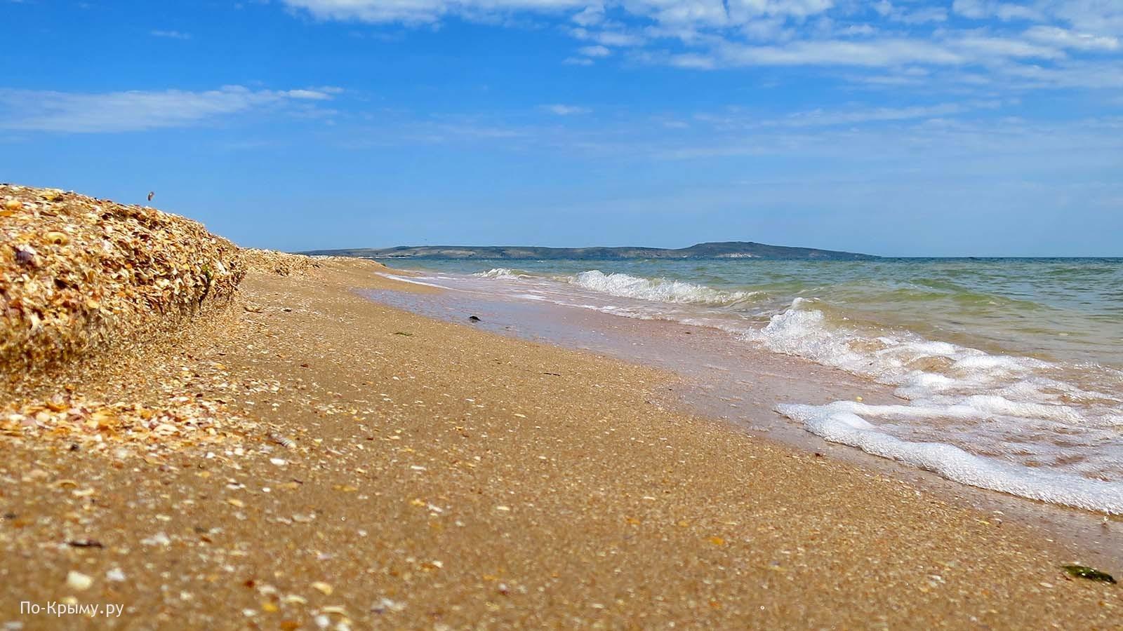 Казантипский залив. Пляж у поселка Азовское