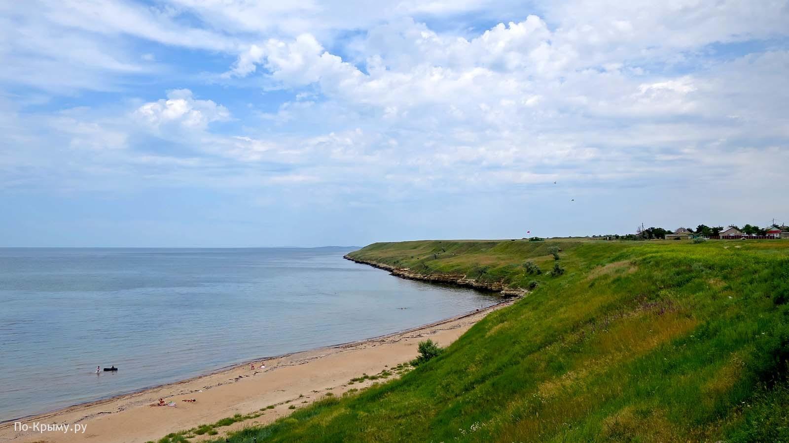 Азовское море, песчаный пляж поселка Каменское
