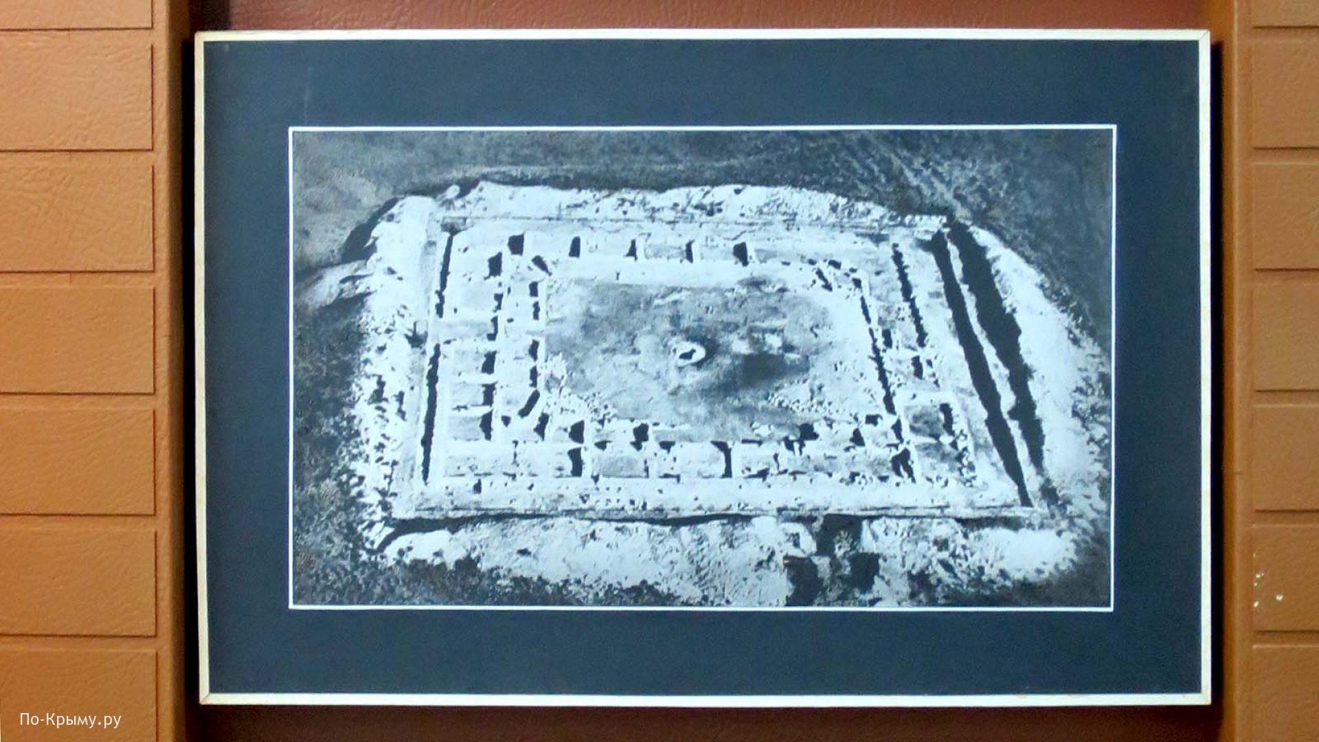Раскопки городища у озера Панское