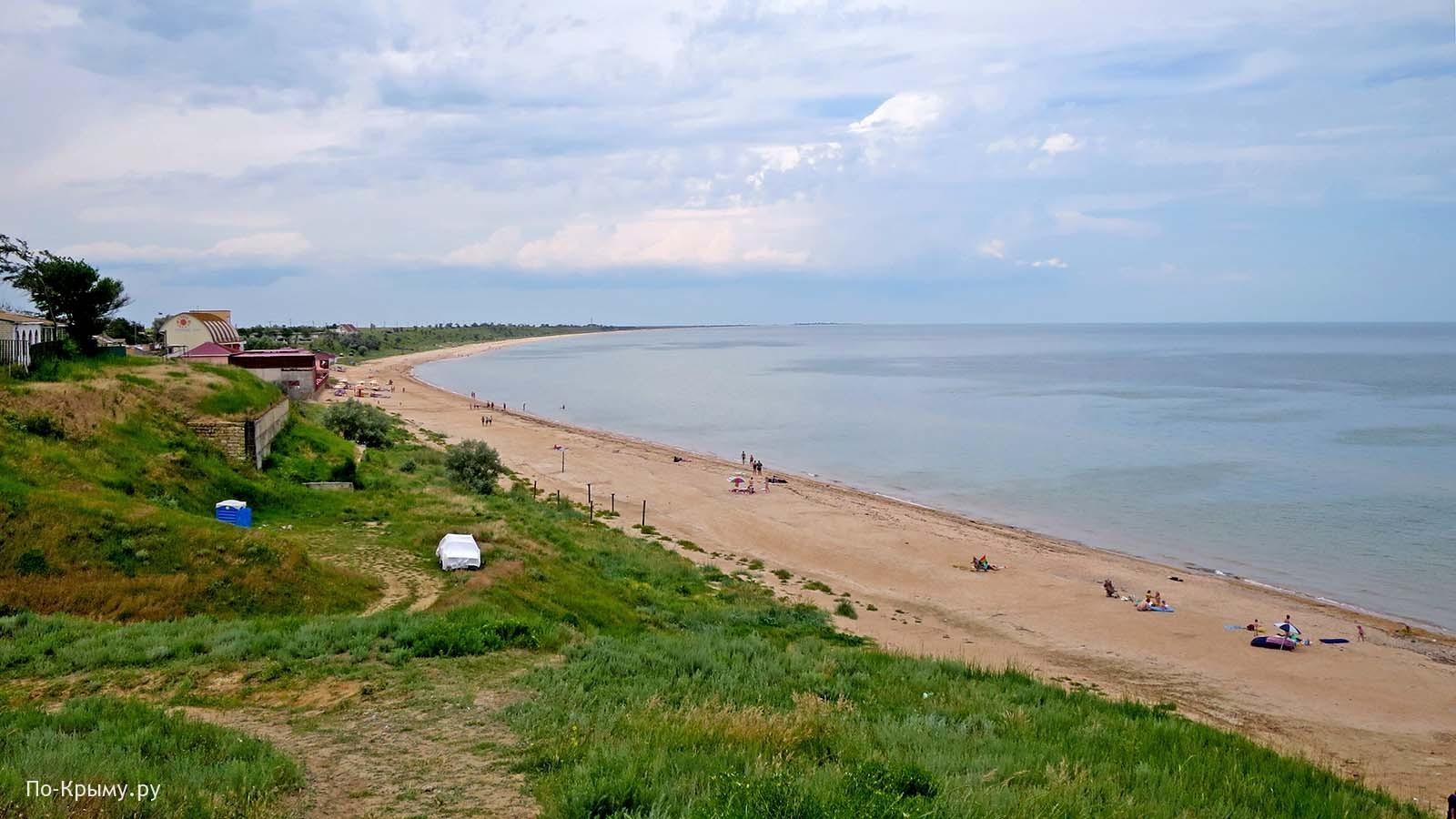 Арабатский залив, пляж поселка Каменское