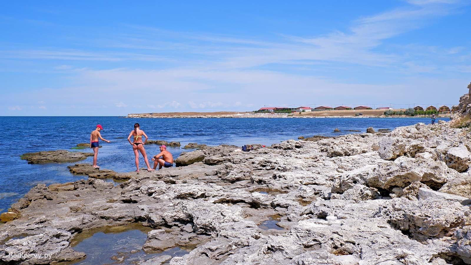 Пгт Черноморское, пляж Узкой бухты