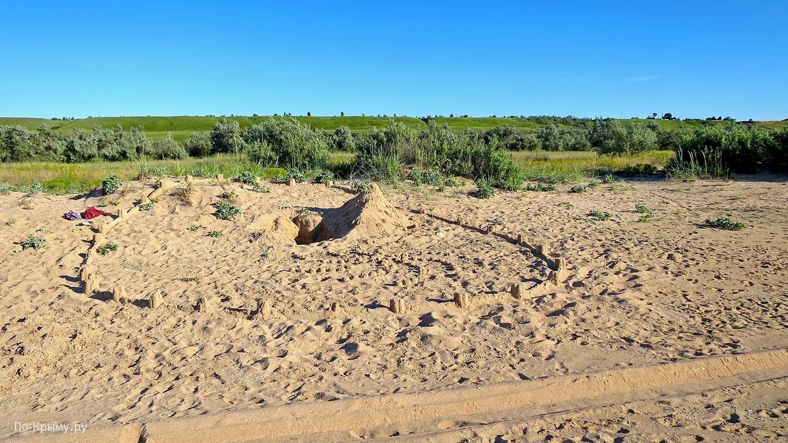 Песчаный берег Азовского моря