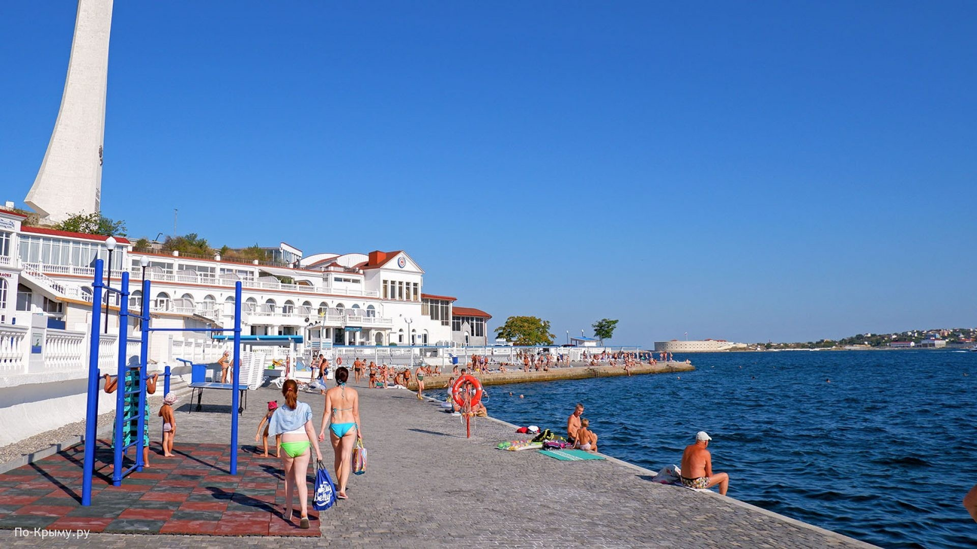 Пляж Хрустальный в Севастополе