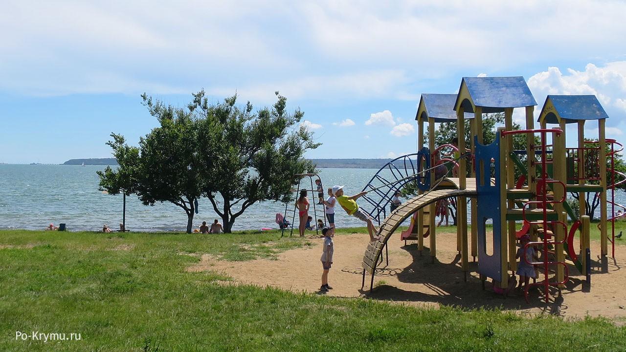 Пляж Черепашка - раздолье для детей